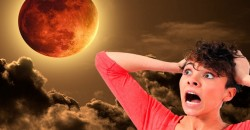 Some People Believe September's Blood Moon And Supermoon Are A Sign Of The Apocolypse